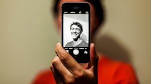 MomentCamで似顔絵を作る方法